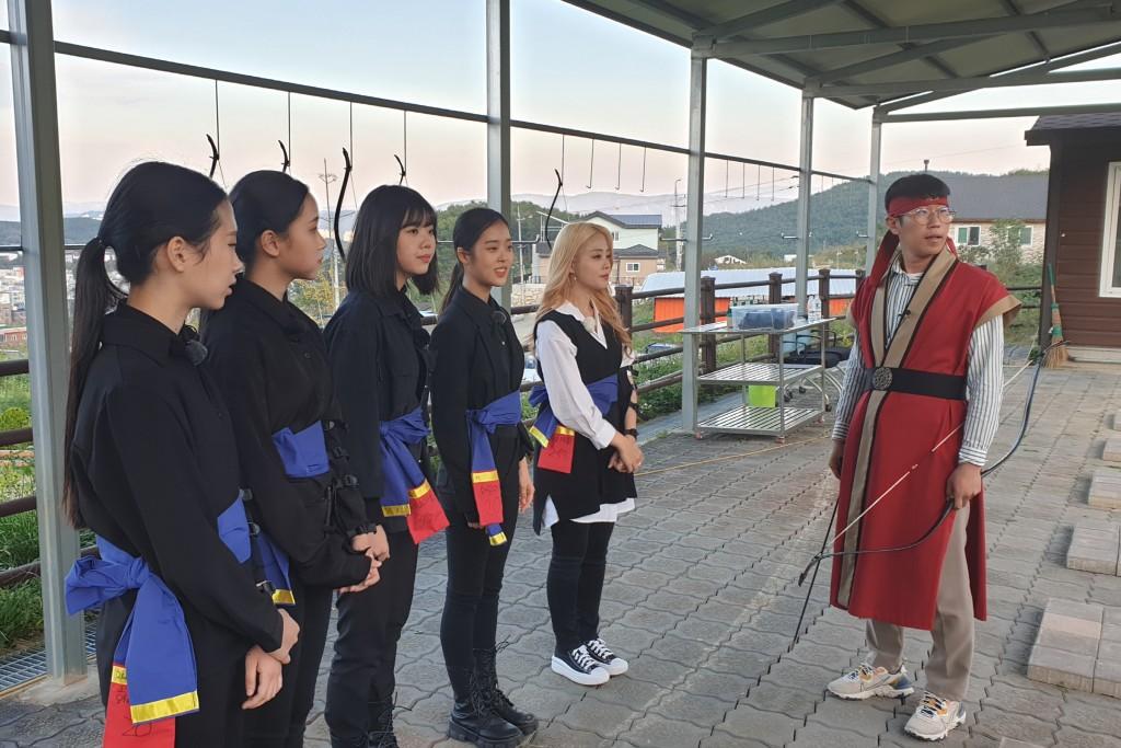 3. 경주시 화랑마을, 비대면 버스킹 문화보부상 공연 - 박혜원&체리블루(크리에이터 더 제이)