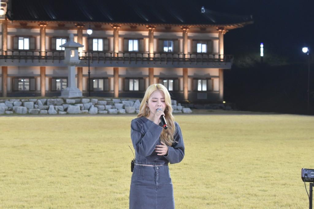 3. 경주시 화랑마을, 비대면 버스킹 문화보부상 공연 - 박혜원(hynn)1